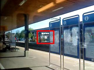 In Bülach wird noch schnell ein Güterzug durchgeschleust am 25.04.2013 um 17:08 Uhr