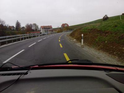 Für was gibt es den Radstreifen auf der Ehrendingerstrasse von Baden zum Höhtal ?