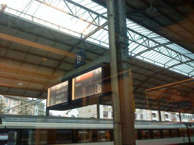 Anzeige im Bahnhof Olten
