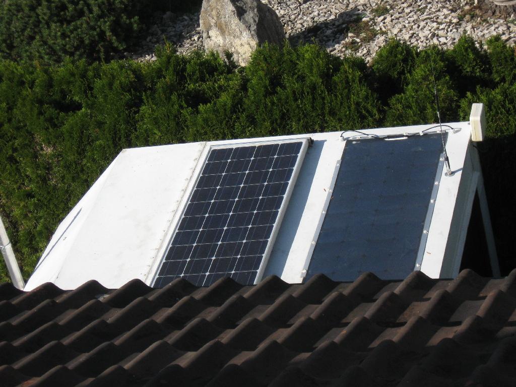 Fotovoltaikpanel's auf dem Funkanhängerdach
