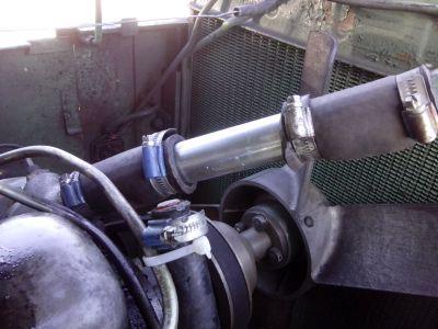 Anstatt Thermostat probeweise nur ein Durchgangsrohr im Kühlsystem des Bührer UNM 4/10