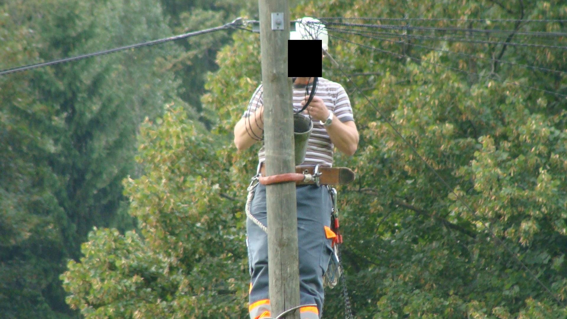 Telefon-Freileitungsmonteur am 23.09.2016 in Mitholz