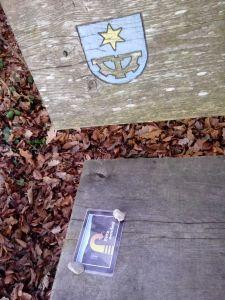'Vergessenes' auf dem Bänkli beim Wasserturm Baldingen