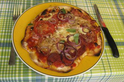 Meine selbsterstellte Pizza, schmeckte natürlich SUPER !